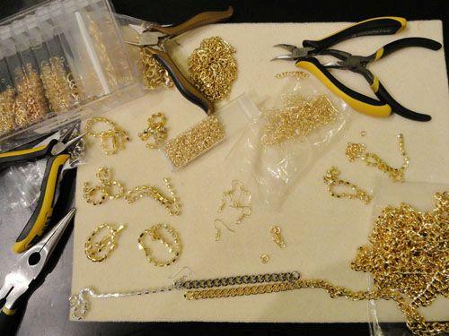 Инструменты и материалы для изготовления бижутерии Фото