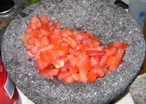 нарезаем помидор фото