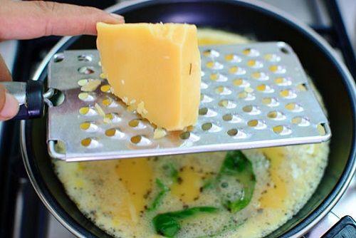 посыпаем сыром фото