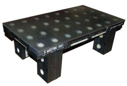 темный столик фото