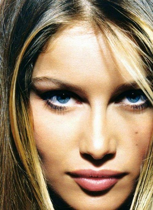 удачный макияж для глубоко посаженных глаз фото