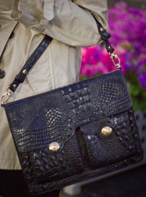 вьетнамская сумка из кожи крокодила фото