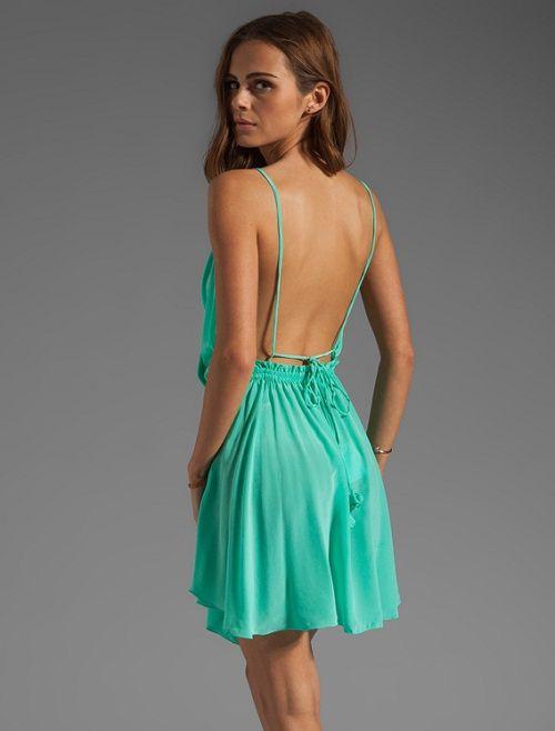 легкое платье с открытой спиной фото