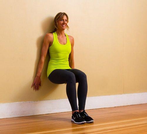 упражнение для спины у стены фото