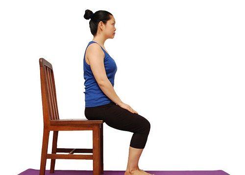упражнение для осанки сидя на стуле фото