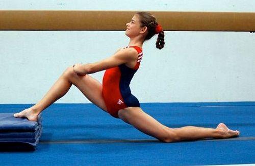 упражнение с согнутыми коленями фото
