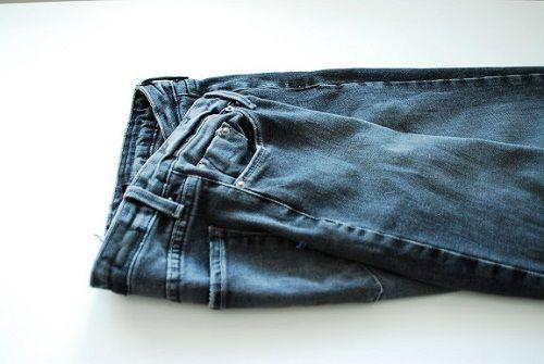 складываем джинсы пополам фото
