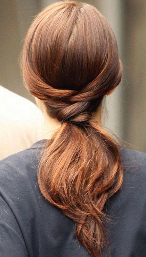 прическа с хвостом на средние волосы фото