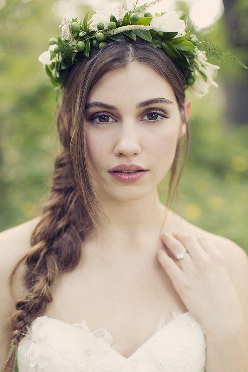 прическа с цветами и косами фото