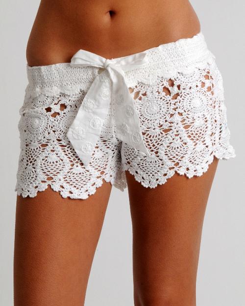 белые ажурные шорты фото
