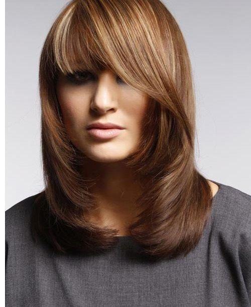 прическа на средние волосы с асимметричной челкой фото