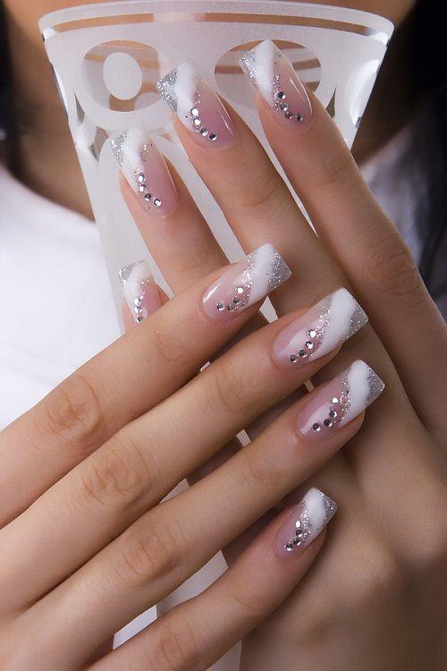 френч с декоративными элементами на нарощенных ногтях фото