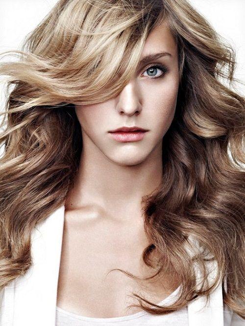 прическа для кудрявых волос с челкой фото