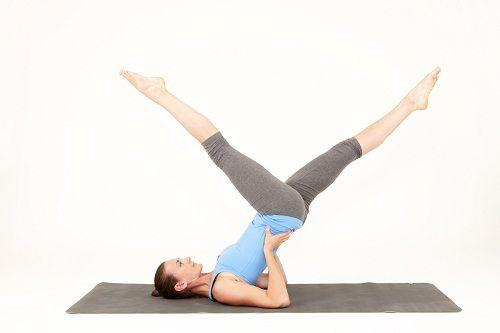 упражнение пилатес для ног и бедер фото