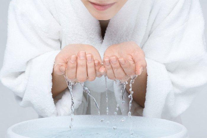 Рисовая вода - натуральная косметика, которая сделает вас красивее и омолодит