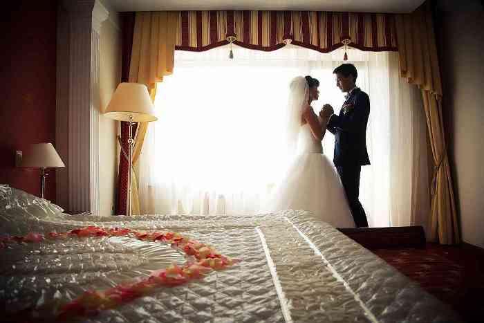 Как провести незабываемую первую брачную ночь?