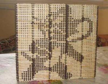 картина из спичечных кубиков фото