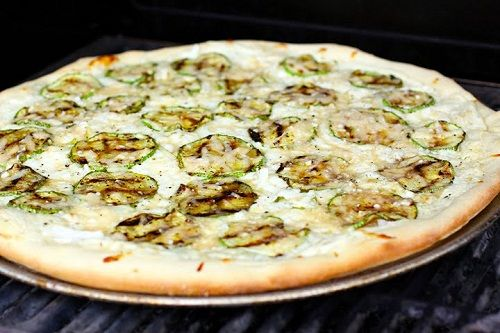 готовим пиццу с кабачками фото