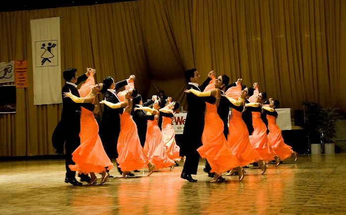 Почему для занятий танцами важен комфортный зал