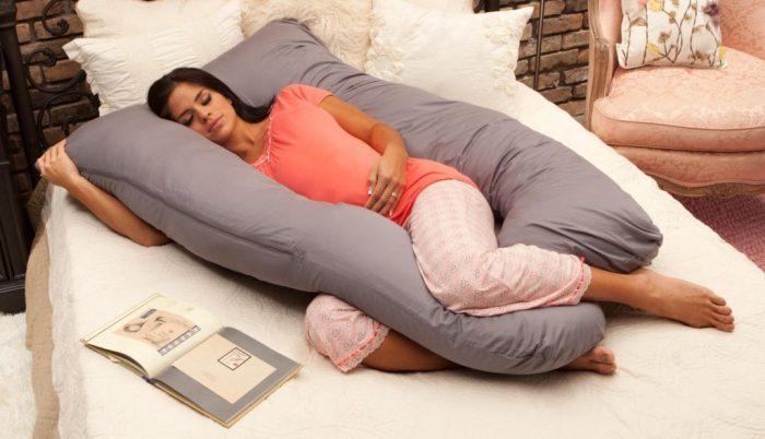 Комфортное использование подушек для беременных и кормящих мам